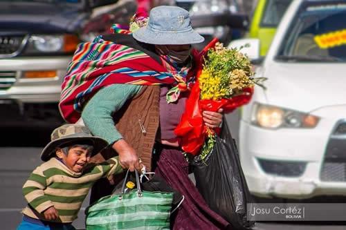 En Bolivia, la fuerza laborar de las mujeres supera los 2,2 millones