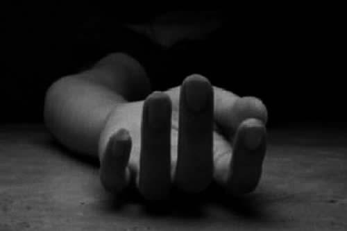 Efectivo policial es aprehendido por el feminicidio de su pareja en Santa Cruz