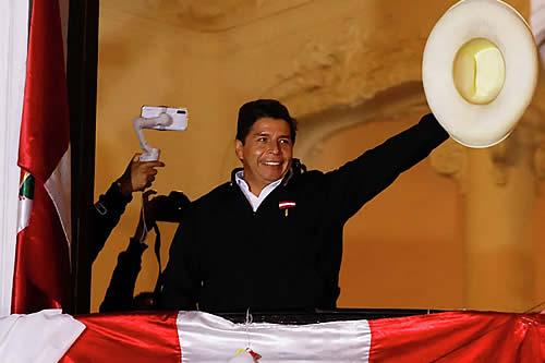 Organismo electoral proclama a Pedro Castillo como próximo presidente de Perú