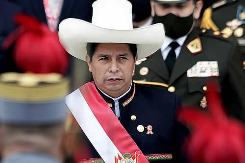 Pedro Castillo hace su juramentación simbólica en el lugar de la batalla donde se selló la Independencia de Perú