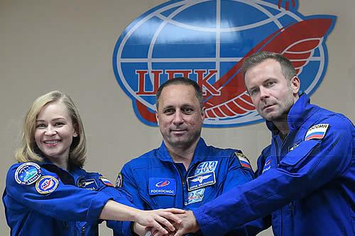 El equipo de rodaje para la primera película en el espacio recibe luz verde para volar a la EEI