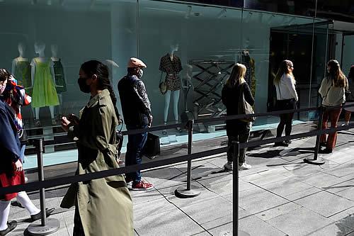 Bloomberg: Los mileniales y la generación Z están gastando más que antes de la pandemia del covid-19