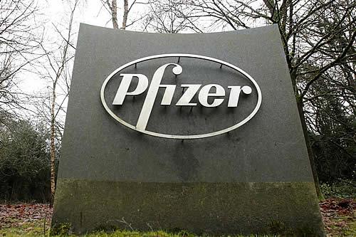 """Las personas que reciban la vacuna de Pfizer contra el covid-19 """"probablemente"""" necesitarán una tercera dosis en un año"""