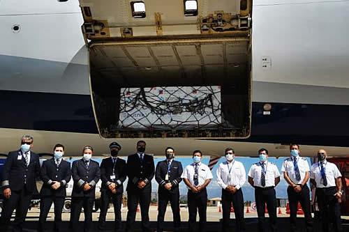 Aeronave de BoA partió a Rusia para el traslado de vacunas y medicamentos contra el COVID-19