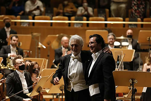 Aplausos y lágrimas: tremenda ovación a Plácido Domingo en Madrid tras su vuelta a los escenarios