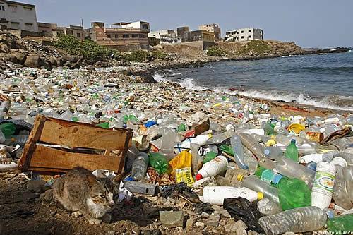 La pandemia hizo reducir producción de plástico por tercera vez después de II Guerra Mundial