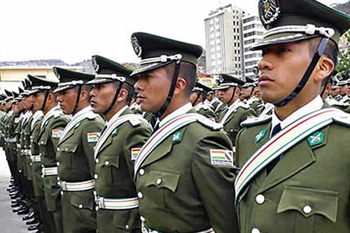 El Ministerio de Gobierno presenta ley para que el ascenso a generales en la Policía sea por méritos y no por 'recomendación'