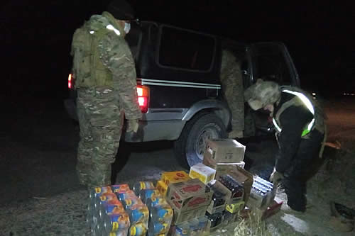 Comisan tres vehículos, bebidas alcohólicas y ropa nueva y usada de contrabando en Oruro y La Paz