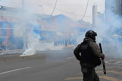La Policía registra al menos 151 bloqueos esporádicos en el país durante el paro cívico