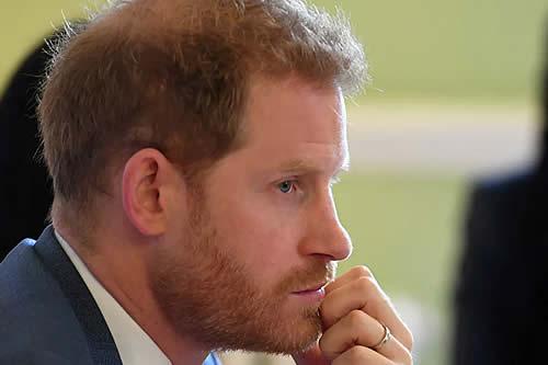 ¿El libro de memorias del príncipe Harry irrespeta a la reina Isabel II?