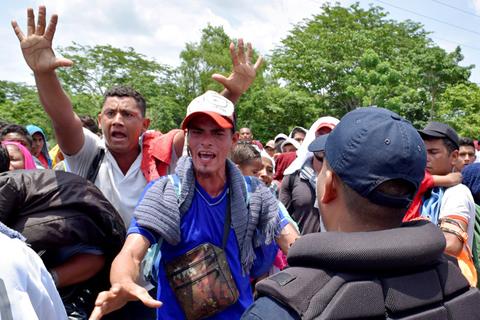 """La Casa Blanca afirma que lo que hace México """"simplemente no es suficiente"""" para evitar los aranceles"""