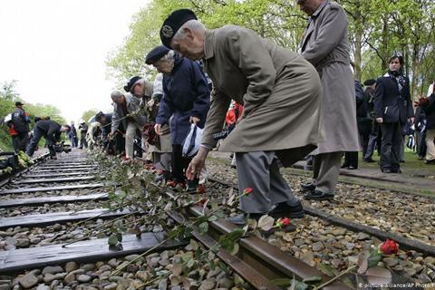 Holanda: ferroviaria indemnizará a judíos y gitanos víctimas de holocausto