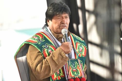 """Morales recuerda que los indígenas bolivianos determinaron ser """"libres"""" en un Congreso de 1945"""