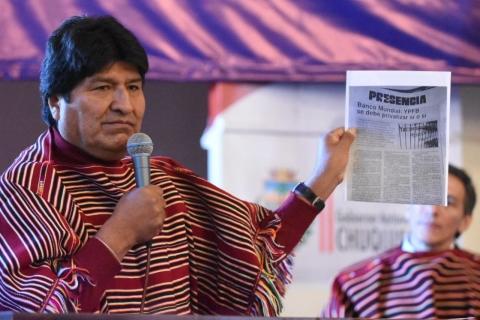 Morales recuerda que en 1993 el Banco Mundial planteó la privatización de YPFB