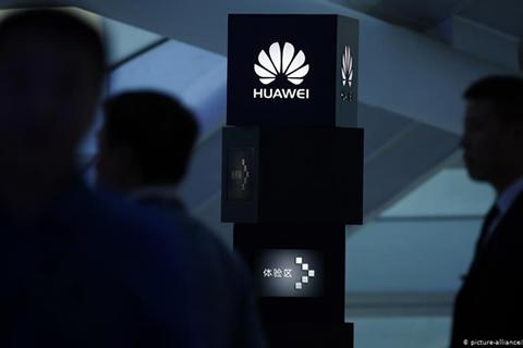 Japonesa Panasonic suspenderá negocios con Huawei