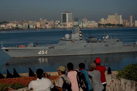Buques de guerra rusos llegan a La Habana en medio de las tensiones entre Cuba y EE.UU.