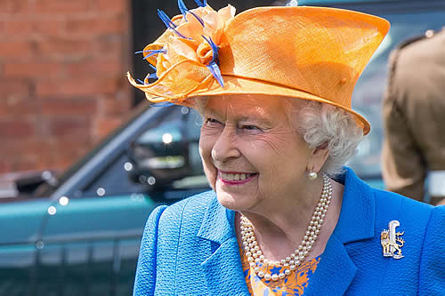 """El presentador británico Piers Morgan denuncia la """"campaña maliciosa"""" de los Sussex contra la reina"""