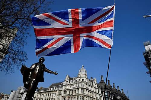 Reino Unido lanza plan de préstamos para comercios