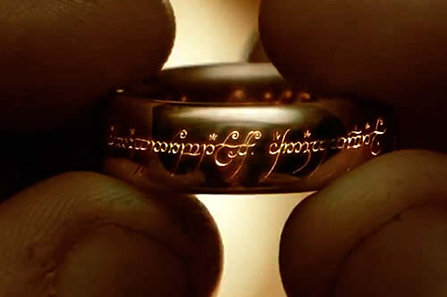 ¿Podría la lava destruir el 'anillo único' del 'El señor de los anillos'? Un 'youtuber' realiza un experimento para comprobarlo
