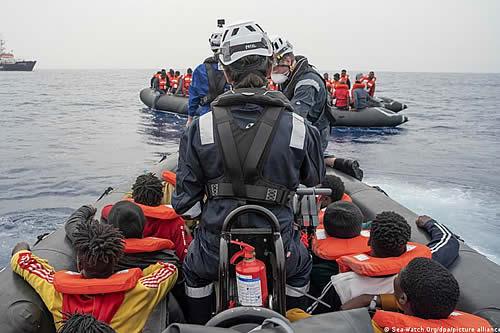 Sea Watch desembarcará en Trapani a los 454 inmigrantes que lleva a bordo