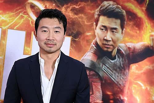 """""""China era un país tercermundista donde morían de hambre"""": reaparece entrevista del actor de 'Shang-Chi' de Marvel y causa polémica en el país"""