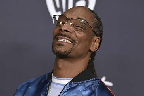Snoop Dogg retransmite durante varios días seguidos por Twitch mientras juega (pero el sonido no funciona)