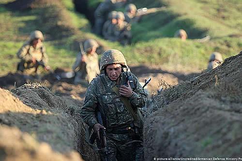 Tres soldados armenios mueren en enfrentamientos con Azerbaiyán