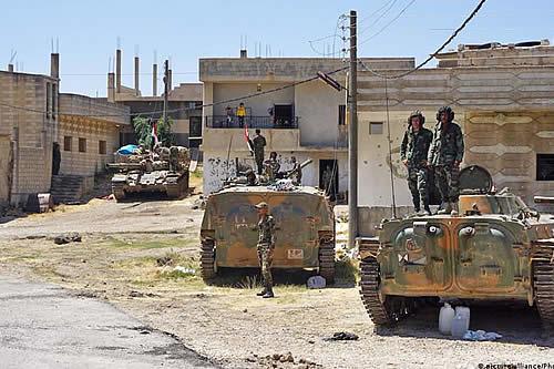 Fuerzas sirias lanzan dura ofensiva contra antiguo bastión rebelde
