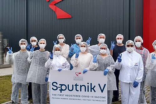 Lanzan producción de la vacuna Sputnik V en Argentina