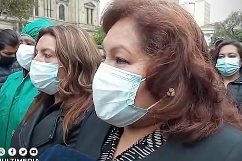 Subalcaldesas de La Paz denuncian acoso sexual, político, laboral por parte de otro funcionario y afirman que Iván Arias lo protege