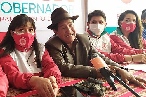 'Tata' Quispe anuncia que votará nulo; afirma que Franklin y Santos son lo mismo