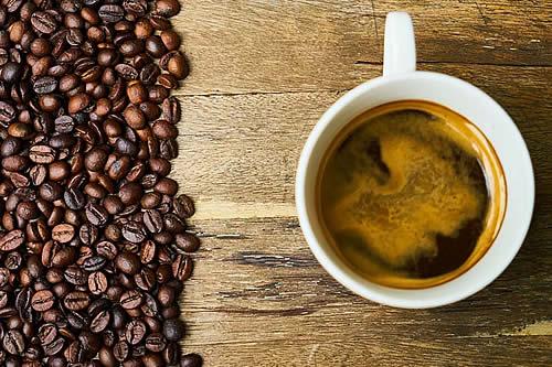 El número de tazas de café al día que podría poner en riesgo tu salud