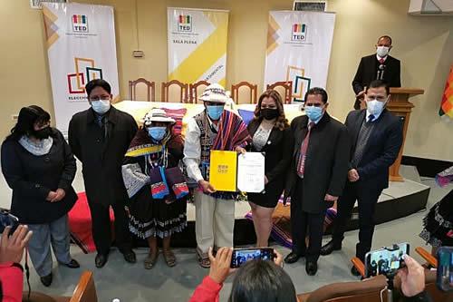 Representantes de ayllus de la Marka Payaqullu reciben credenciales para el Concejo de San Lucas