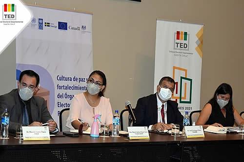Subnacionales: Autoridades, FFAA, Policía y el PNUD coordinan tareas de salud y seguridad en Santa Cruz