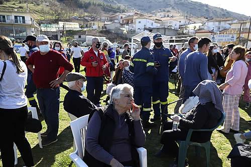 Primeras imágenes de los efectos del terremoto de magnitud 6,3 que ha sacudido Grecia