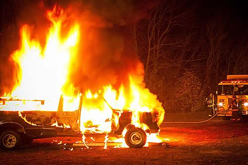 Tesla revela con qué frecuencia sus autos son pasto de los incendios