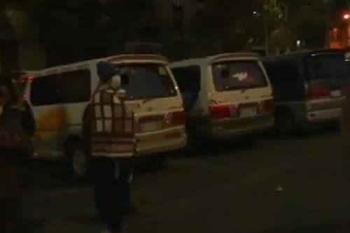 Gobierno convoca al diálogo a transportistas federados que bloqueaban el centro paceño
