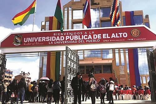 Autoridades expresan solidaridad con las familias de siete estudiantes fallecidos en la UPEA