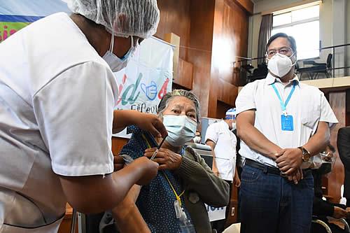 Gobierno reafirma decisión y compromiso de trabajar para brindar un acceso a la salud a todos los bolivianos