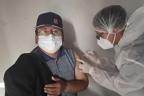 Ministro de Salud destaca que vacunación masiva superara la aplicación de 32.000 dosis al día