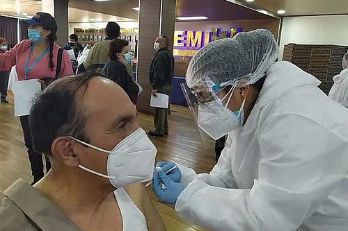 Salud amplía plan piloto de vacunación en La Paz y perfila replicar a otros departamentos
