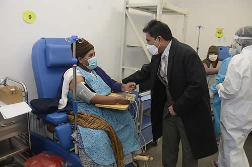 Proceso piloto de vacunación permite multiplicar por cuatro la inmunización contra el COVID-19 en Bolivia