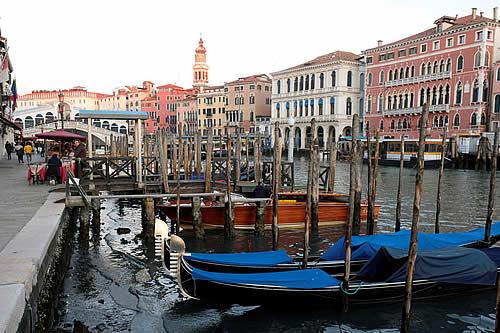 Arqueólogos descubren una antigua calzada romana en el fondo de la laguna de Venecia