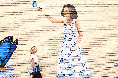 """Victoria Ferreyra, la artista argentina que transforma el dolor y la tragedia familiar en arte urbano: """"El egoísmo me aburre"""""""