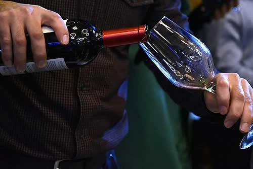 Rudy Kurniawan, el falsificador de vinos que hizo una fortuna estafando a ricos de EEUU