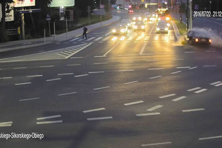 Un ciclista salva su vida gracias a un accidente