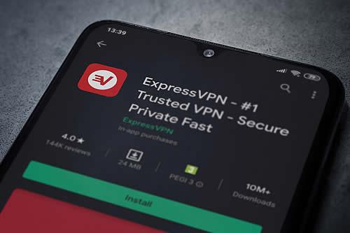 Edward Snowden desaconseja utilizar uno de los servicios de VPN más populares (y propone una alternativa)