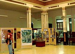 Museos y Centros de Exposición
