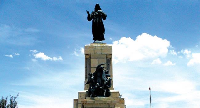 Monumento a las heroínas de la Coronilla
