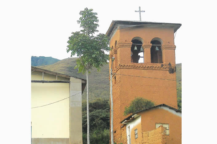 La Iglesia de Santa Cruz del Valle Ameno